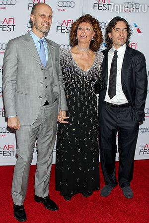 Софи Лорен с сыновьями Эдуардо Понти и Карло Понти