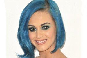 Яркий тренд: звезды с цветными волосами