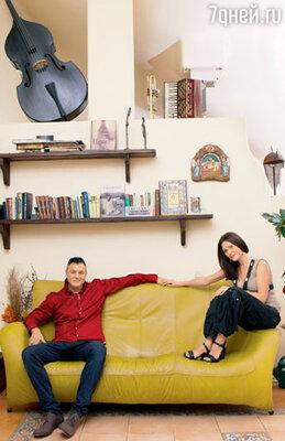 С женой Сашей
