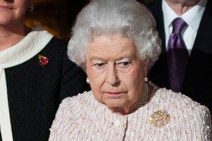 Елизавета II едва не погибла из-за оплошности своего гвардейца