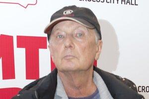 Михаил Задорнов, объявивший о тяжелой болезни, впервые появился на публике