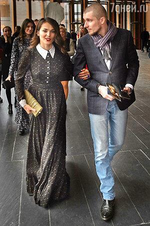 Сати Казанова и Артур Шачнев на премьере фильма «Красавица и чудовище»