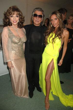 Виктория Бекхем, Роберто Кавалли и Джоан Коллинз на вечеринке 2006 г.