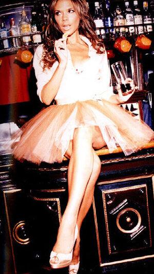 Виктория Бекхэм на фото для иллюстрации своей книги «That Extra Half an In