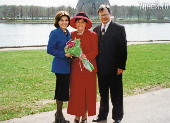 Красивая пара — мои родители, я ими восхищаюсь, они всегда идут по жизни вместе