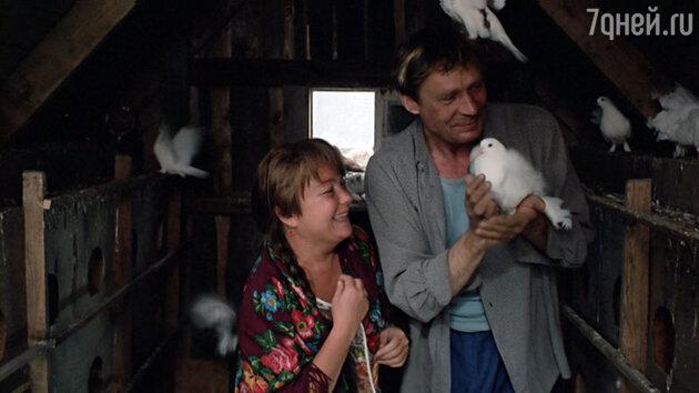 Кадр из фильма «Любовь и голуби»