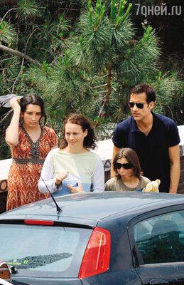 С женой Сарой-Джейн и дочерьми Ханной и Эвой