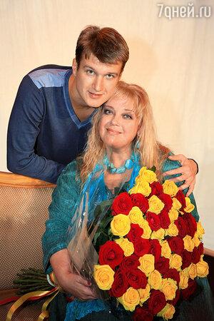 Любовь Руденко  с сыном Анатолием Руденко