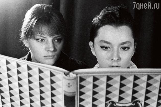 Марианна и Анастасия Вертинские. 1964 г.