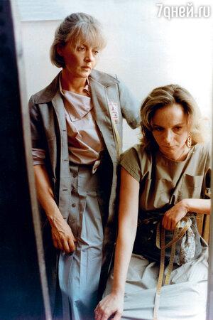 Марианна Вертинская и Ирина Купченко в фильме «Одинокая женщина желает познакомиться». 1986 г.
