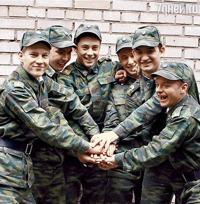 Кадр из сериала «Кремлевские курсанты»