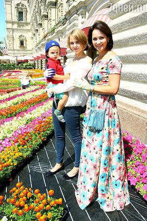 Ольга Кабо с дочерью Татьяной и сыном Витей