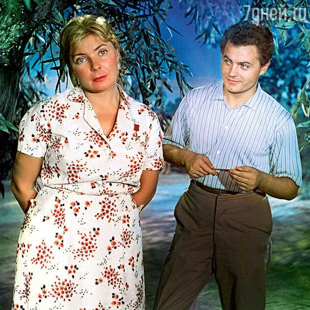 Ольга Аросева с Виктором Шаховым в фильме «Яблоко раздора». 1962 г.