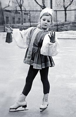 В четыре года родители отдали меня в секцию фигурного катания