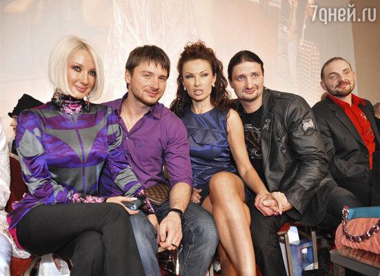 Слева направо: Лера Кудрявцева, Сергей Лазарев, Эвелина Блёданс, Эдгард и Аскольд Запашные