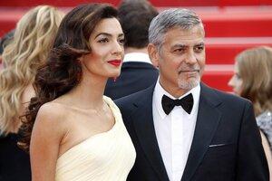 Амаль Клуни подогрела слухи о своей беременности