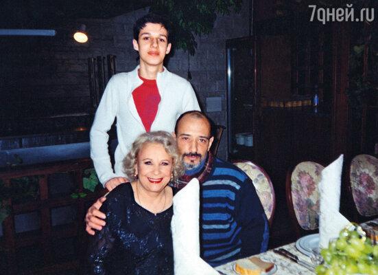 С сыном и внуком Андреем. Редкое фото, когда мы вместе и счастливы