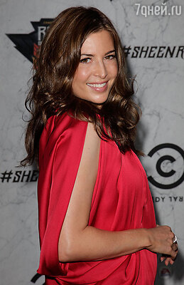 Эшли Кузато - спортсменка и обладательница коричневого пояса по карате