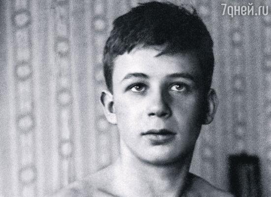 За музыку к фильму «Остров сокровищ» молодой композитор Богословский получил приличный гонорар