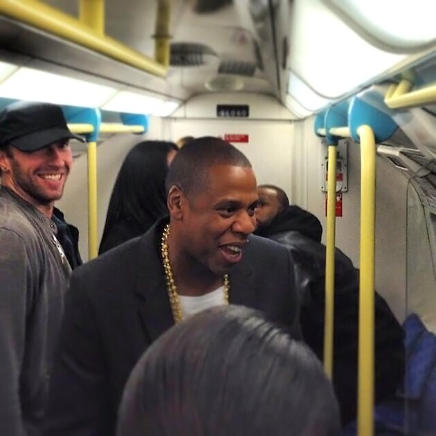 Джей Зи и Крис Мартин в метро, 2013