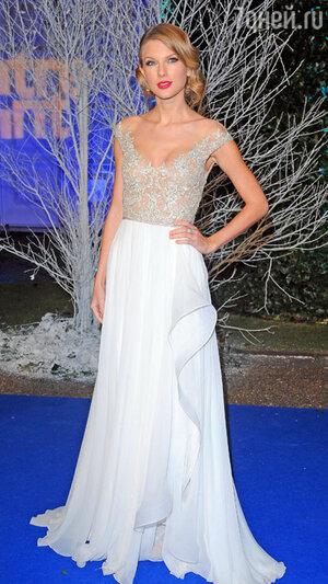 Тейлор Свифт на благотворительном вечере Winter Whites Gala