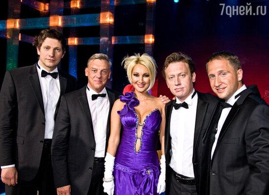 Лера Кудрявцева и актеры сериала «Улицы разбитых фонарей»