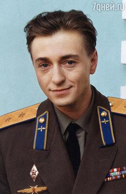 Сергей Безруков в роли Василия Сталина. Сериал «Московская сага». 2004 год