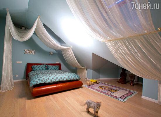 Спальню дочери Люба попросьбе Тани оформила в стиле минимализм