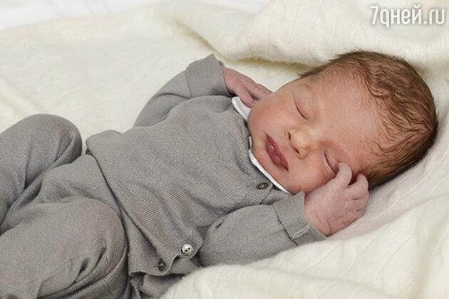 Сын принцессы Мадлен и Криса О'Нила