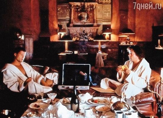 В 1997 году в Германии вышел фильм «Достучаться до небес», мгновенно сделавший Тиля знаменитым. С Яном Йозефом Пиферсом