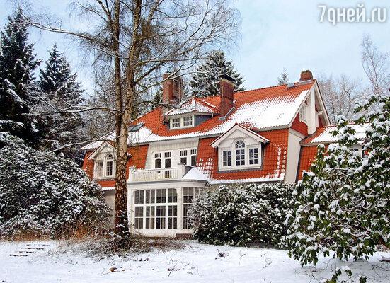 В Гамбурге Тиль купил дом для Даны и детей, в котором они могли бы чувствовать себя комфортно