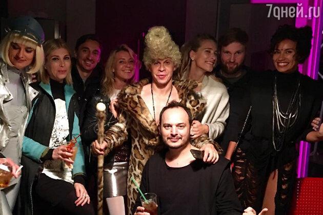 Павел Деревянко с гостями вечера