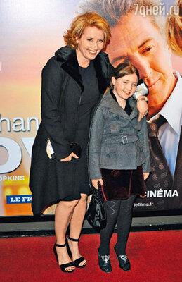 С дочкой Гайей на премьере фильма «Последний шанс Харви». Париж, 2009 г.