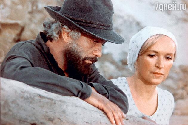 Клара Лучко с Михаем Волонтиром в фильме «Цыган». 1979 г.
