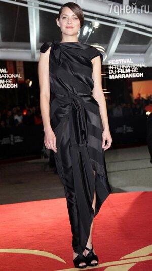 Марион Котийяр в платье от Dior на церемонии закрытия Международного кинофестиваля в Марракеше 2013