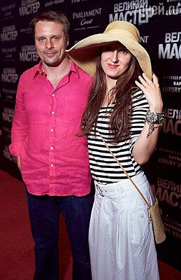 Александр Носик с супругой