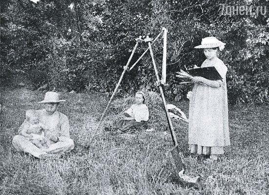 Нескучного, где Зинаида так любила писать этюды, после 1919 года больше не существовало: имение было разграблено и сожжено дотла
