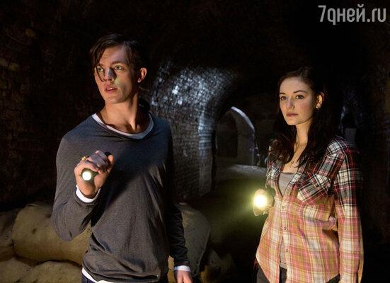 Кадр из фильма «Таймлесс. Рубиновая книга»