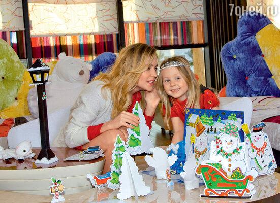 В спальне Лидочки устраиваются настоящие кукольные представления