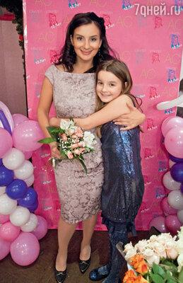 Екатерина Стриженова с дочкой Сашенькой