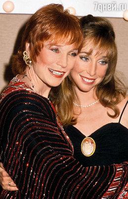Когда Саши сыграла Трейси в телесериале «Капитолий», Ширли нехотя признала: пожалуй, ее дочь не без таланта...