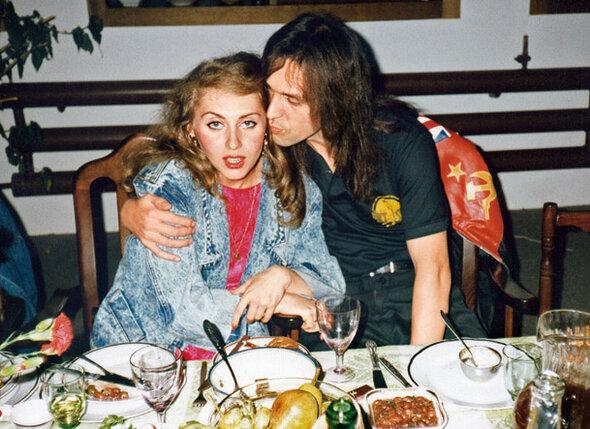 За столиком ресторана увидел Марину. И сразу решил: «Эта девушка будет моей женой»
