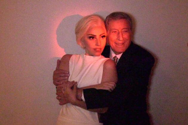 Леди Гага и Тони Беннетт в клипе на песню «I Can't Give You Anything but Love»