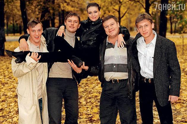 Анастасия Мельникова с Александром Половцевым, Алексеем Ниловым, Сергеем Селиным и Михаилом Трухиным