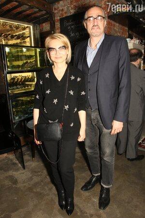 Эвелина Хромченко с мужем художником Димитрием Семаковым