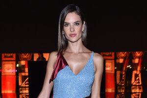 Образ дня: Алессандра Амбросио в Atelier Versace