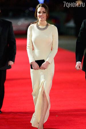 Кейт Миддлтон в платье от Роланд Муре