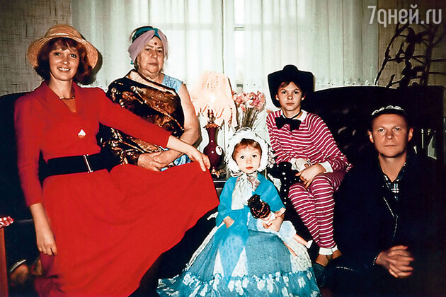 Виталий Соломин в кругу семьи