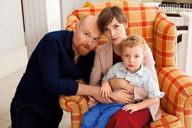 Елизавета Соломина с мужем Глебом Орловым и сыном Ваней