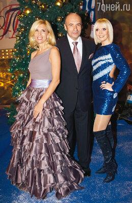Организатор «Песни года» Игорь Крутой с Аленой Свиридовой и Валерией